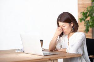 視力の低下が目の負担を増大させる
