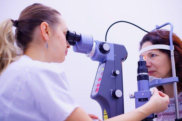 疲れ目 の症状と似ている 目の病気