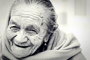 目の老化が目の負担を増大させる