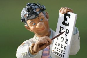 眼科での視力検査