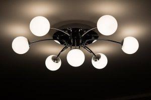 家庭の照明を考える